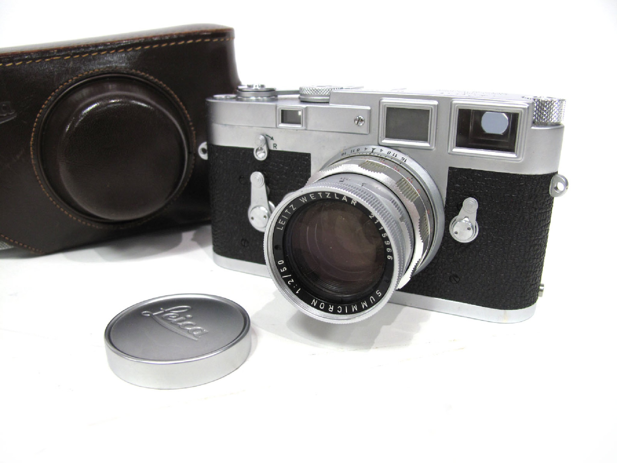 Photographica & Binoculars Auction